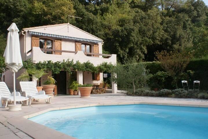 Studio dans villa, terrasse piscine - Pégomas - Apartment