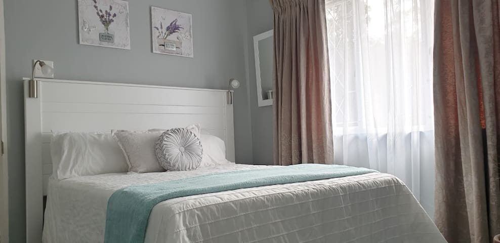Modern sleepover- R620 per night (2 people)