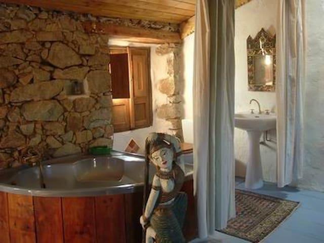 Maison atypique à Piana en Corse