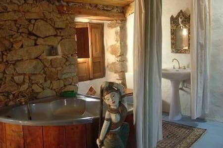 Maison atypique à Piana en Corse - Piana - Haus
