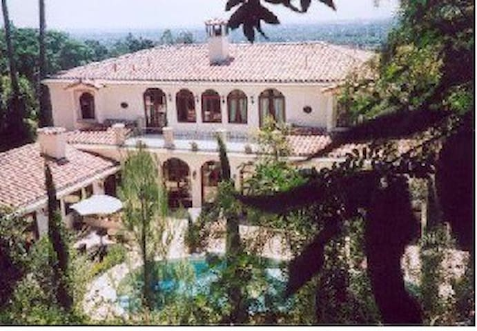 Villa Guest House / Apartment - Tustin / Santa Ana - Villa