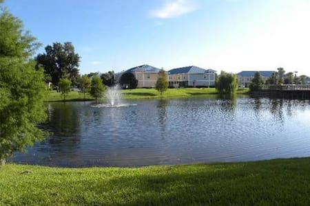 Beautiful 3BR Townhome Villa. 5 star ratings. - Kissimmee