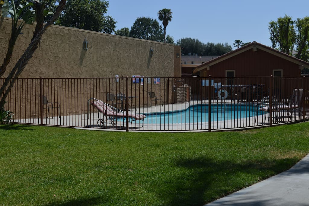 Pool area access and exercise and laundry room amenities available. Please note $1.25 per load on each laundry cycle.
