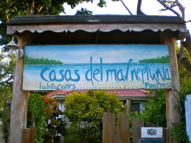 Only A Few Steps From The Beach, no car needed! - Las Terrenas - Bed & Breakfast