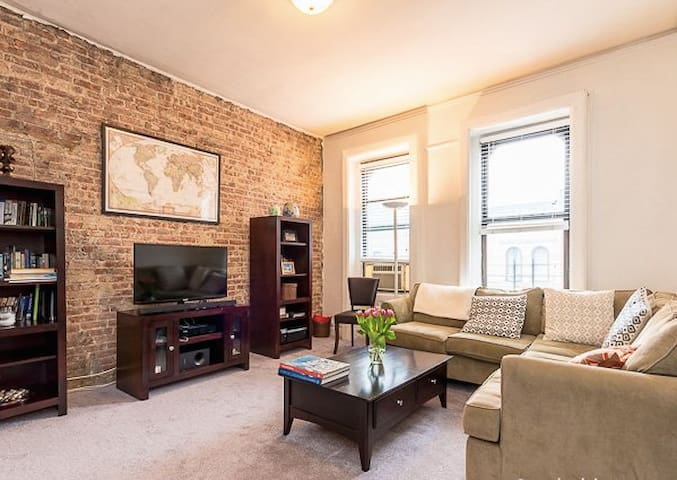 3BR 1400SF APT FULLY FURNISHED NEAR CENTRAL PARK