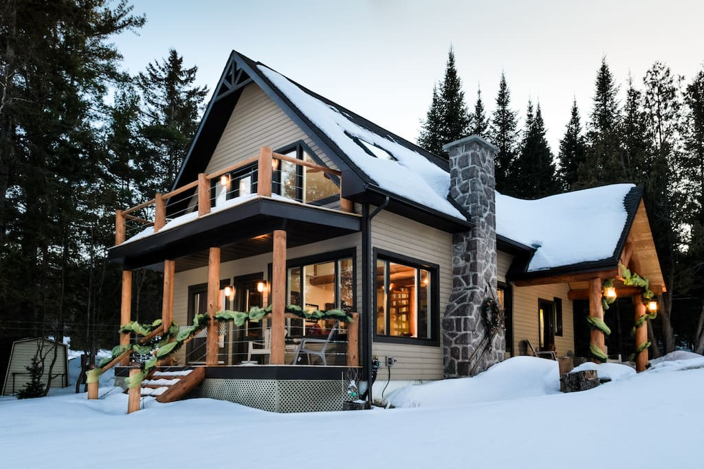 Chalet la chanelle au lac ouimet chalets for rent in for Lac miroir mont tremblant