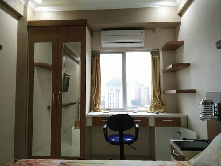 Newly Furnished Studio Apartment Near Brawijaya
