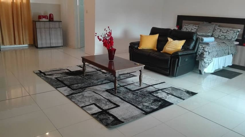 TheSouthview Villa SuperSuite (2nd bedroom option)