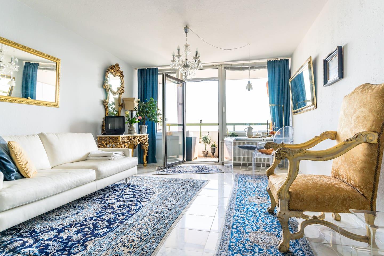 Das ist mein Wohnzimmer - (Auch Thronsaal genannt) Hier kann ich 1-2 Gästebetten aufstellen.