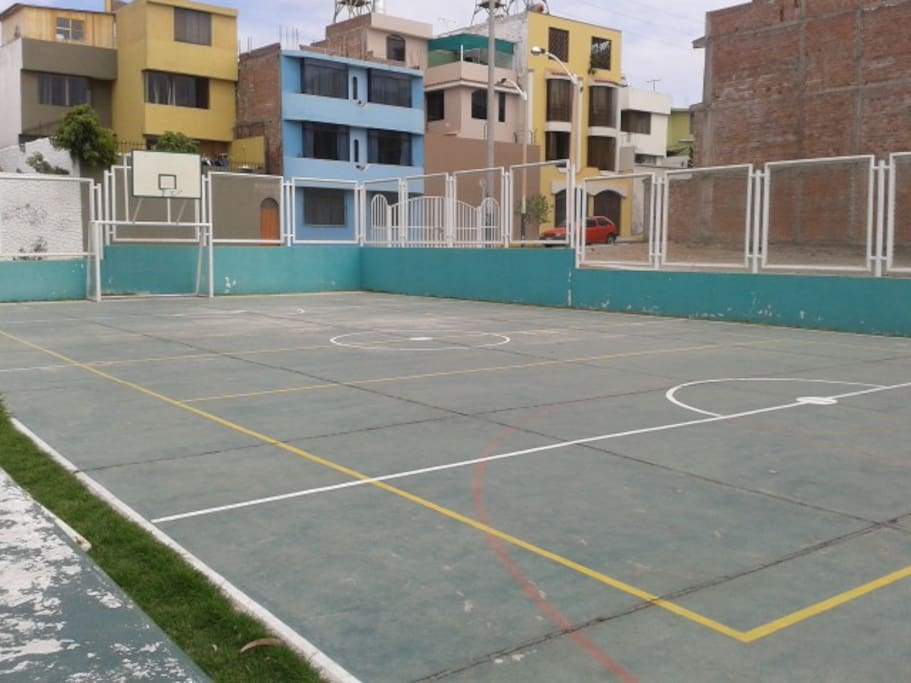 soccer and basketball court (30 metres from the apartment)