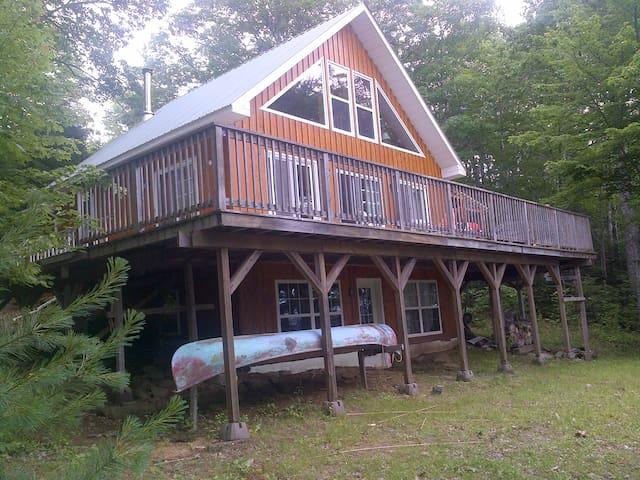 Lakefront Cottage for rent (non-smoking) - Cambridge-Narrows - Cabaña