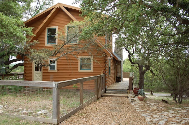 Log Cabin With River Acess - Wimberley - Ev