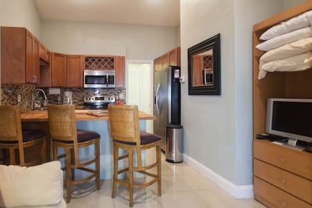 Retreat Wilton Manors/Ft Lauderdale - Apartament