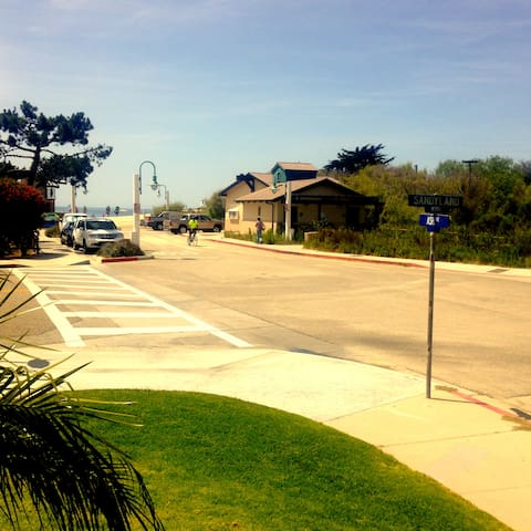 Just a few steps to the sand. - Carpinteria - Wohnung