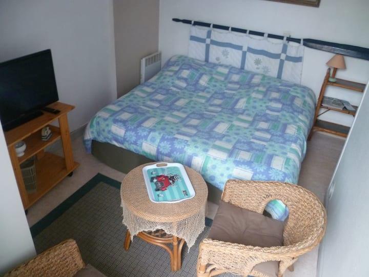 ROSCOFF appartement 2 pers en rez-de-jardin