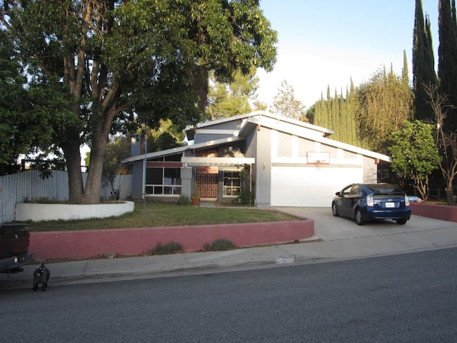 Large Summer Home - Agoura Hills - House