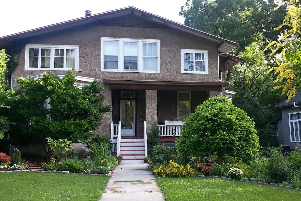 Arbor House & Gardens