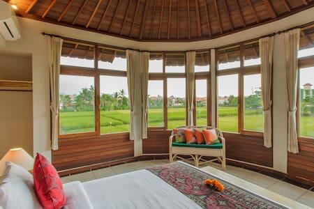 monkey forest king suite - Ubud