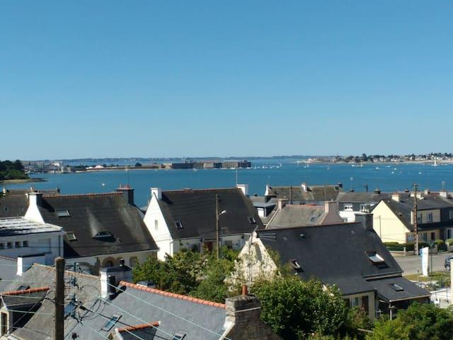 Maison exceptionnelle,Port Louis & Lorient à 2 pas - Locmiquélic