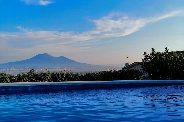 Holidays in Naples: Stanza privata vista golfo