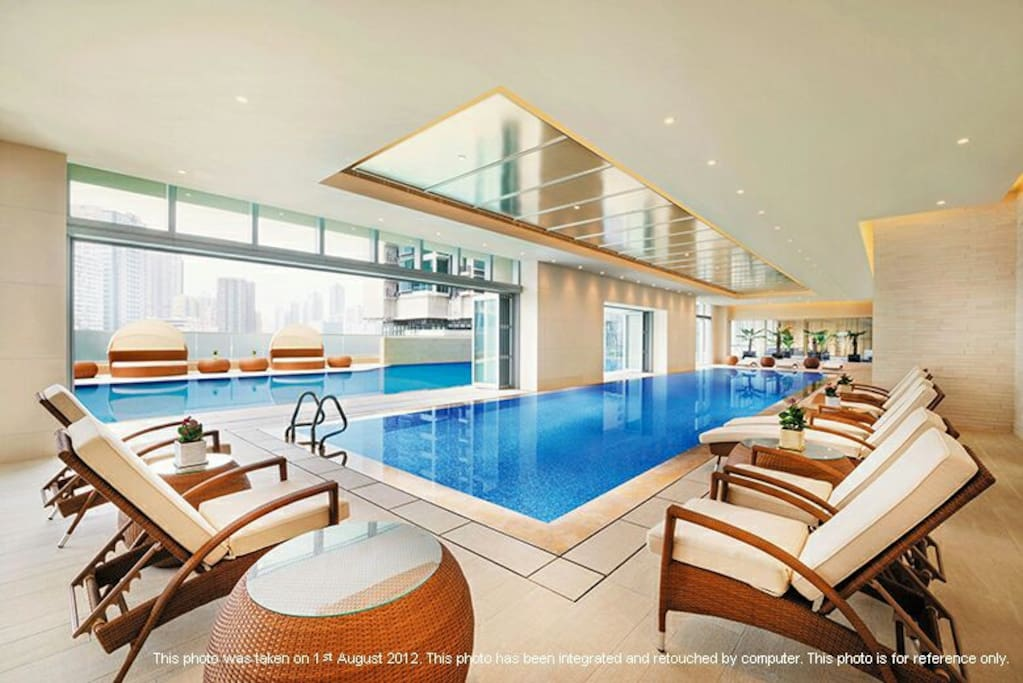 Indoor swimming pool. Gym and Spa. Luxurious facilities in this private apartment.