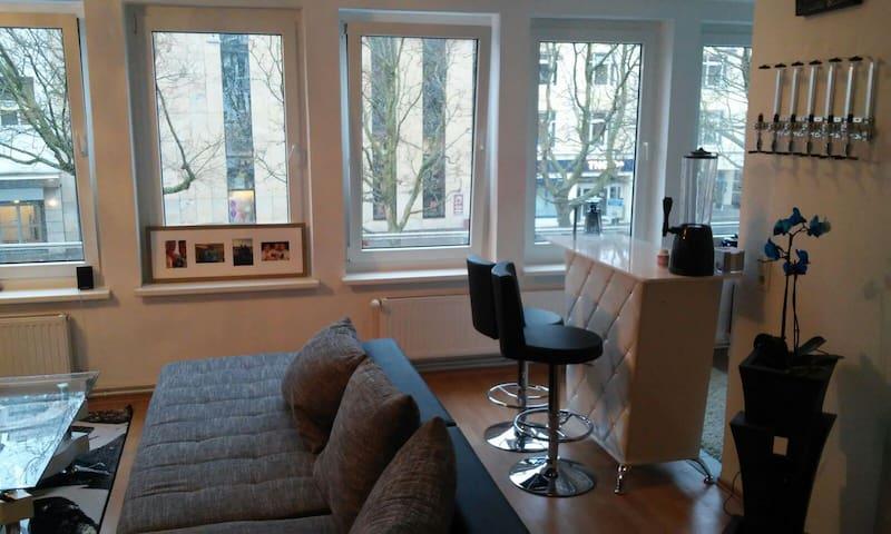 Immer Tageslicht durch 6 Fenster im Wohnzimmer