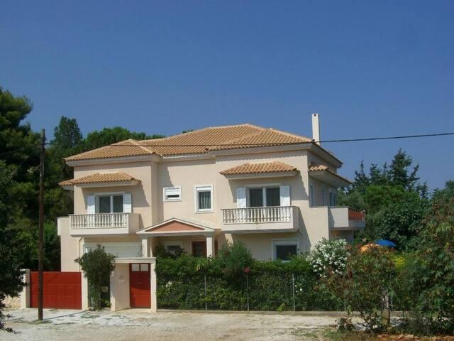 Villa Verde Apart-Hotel, Luxury Seaside Studios