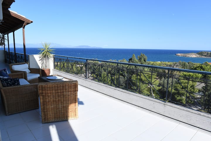 Top floor 3bed/2bath with stunning 360 view