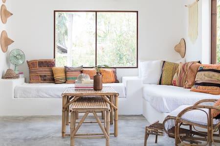 Orchid 1 Nyrenoverad villa för 6 pers