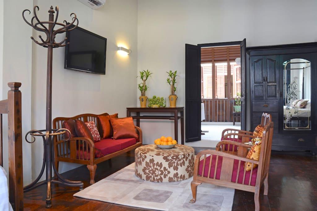 Noordin Suite Sitting area
