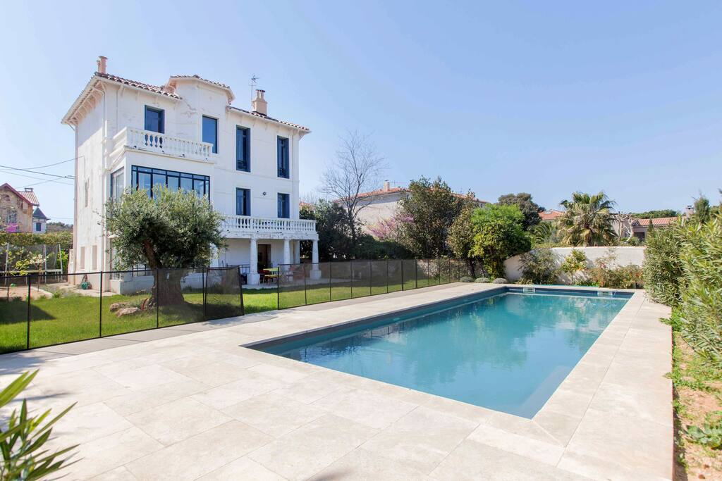 Villa avec piscine 300m de la mer villas louer for Villa a louer en provence avec piscine