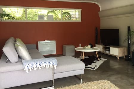 Open living with all the luxuries - Auckland - Rumah