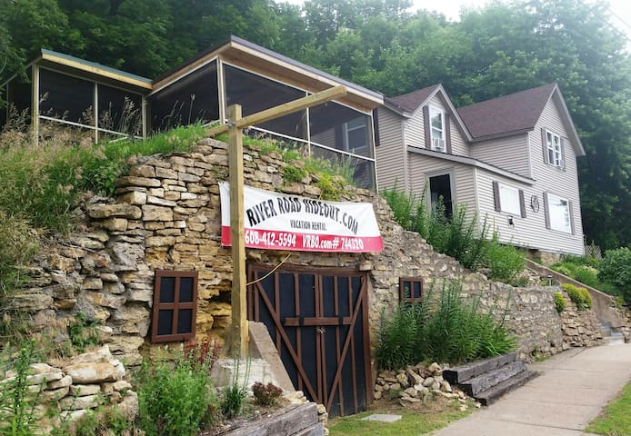 RIVER ROAD HIDEOUT-ON GREAT RIVER ROAD! - Ferryville - Haus