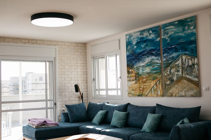 An amazing roof top flat, perfect from families