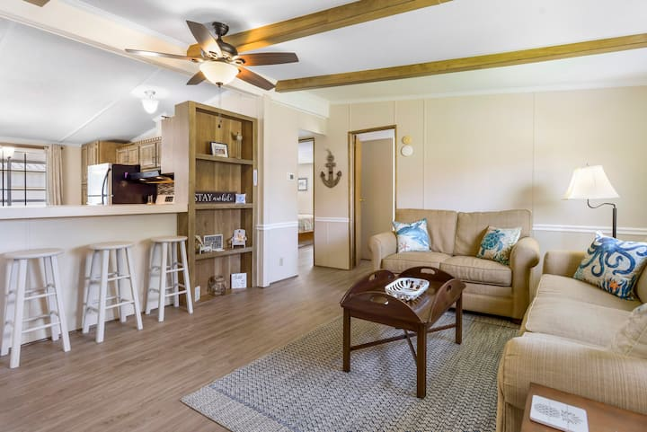 Saltwater Cottage is a delightful Pet-Friendly Vacation Home in the heart of Saltwater Cowboy Country on Chincoteague Island.