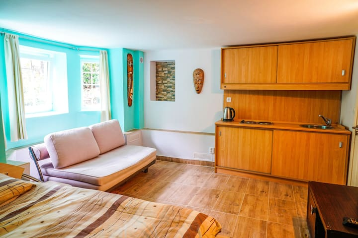 Sofia Center New Studio Apartment 3
