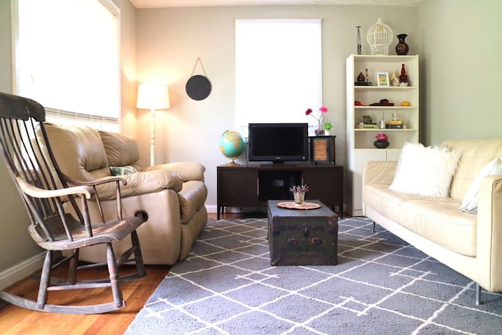 3bedroom/2bath, close to downtown,BNA, Opryland