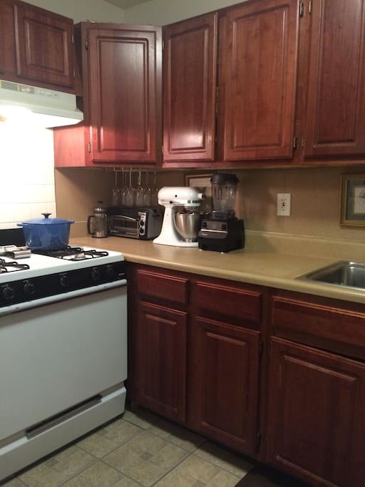 Fully Equipped Kitchen. Gas Stove