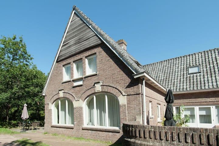 Acogedora casa de vacaciones en Bergen aan Zee cerca de la playa