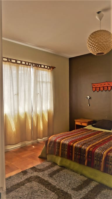 Hermosa habitación, con excelente iluminación