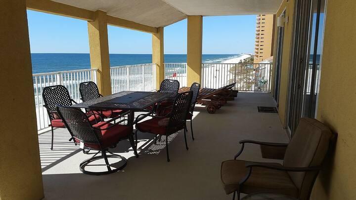OCEAN VIEW + Beach Front 4 Bed/4 Bath Condo