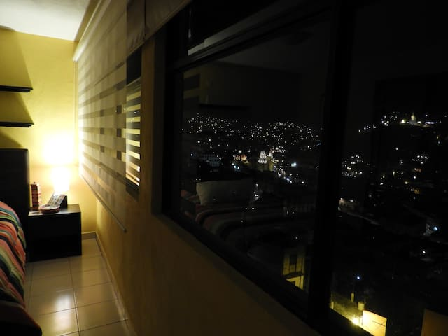 The Star´s room with Panoramic city view