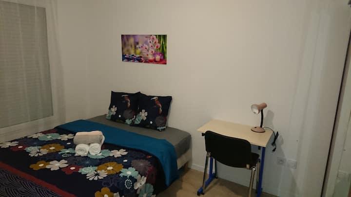 Chambre privée proche aéroport Orly, 20 mn Paris