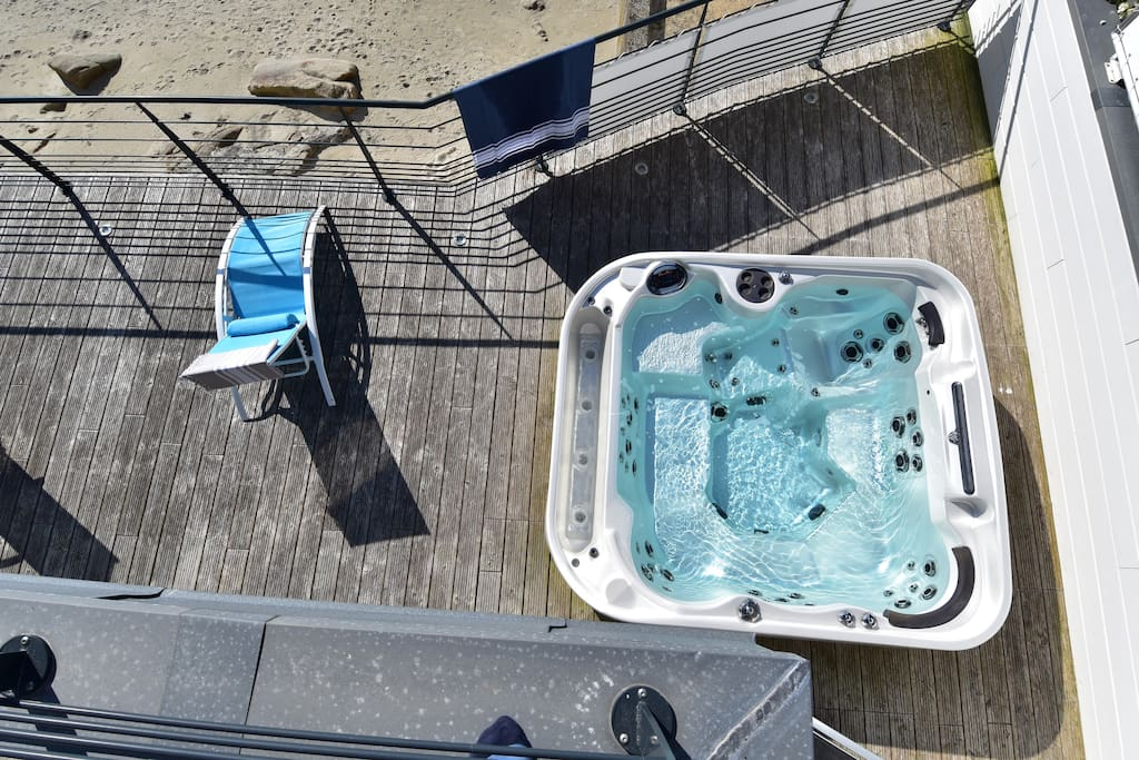 La terrasse et son spa