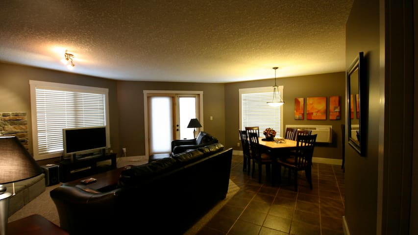 Comfortable Modern Mountain Style Condo 2Bed/2Bath