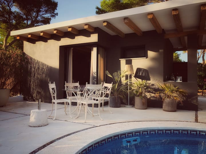 Luxury casita w/pool. Walking distance beach/golf