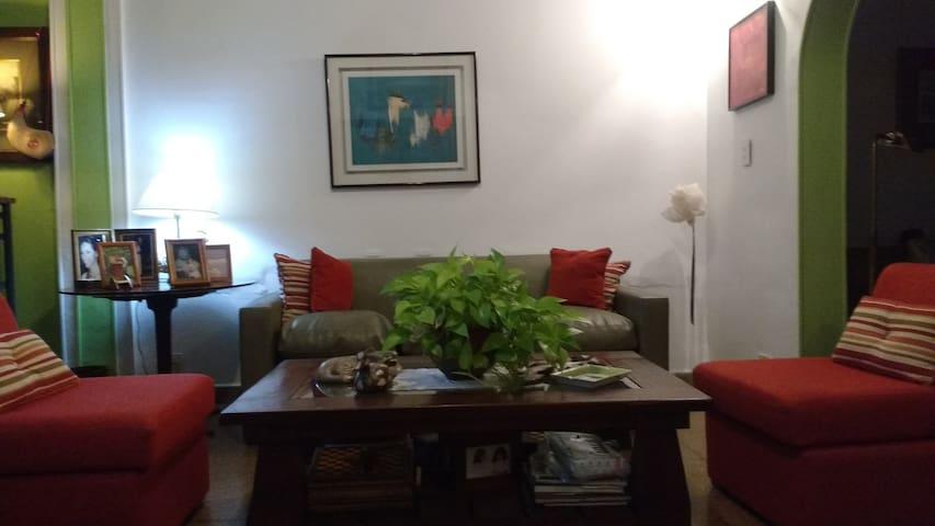 Casa con patio y parrilla - Buenos Aires - Bed & Breakfast