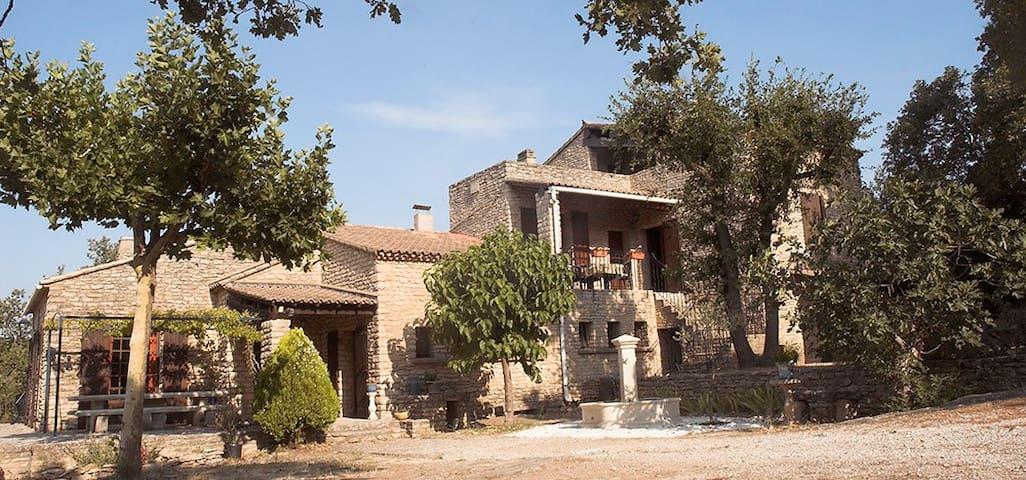 Un Luberon insolite et mystérieux - Cabrières-d'Avignon - Haus