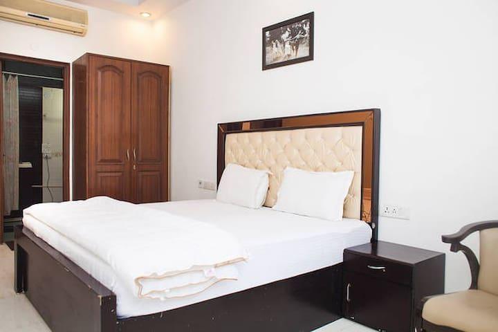Studio Apartment Defence Colony - New Delhi - Obsługiwany apartament
