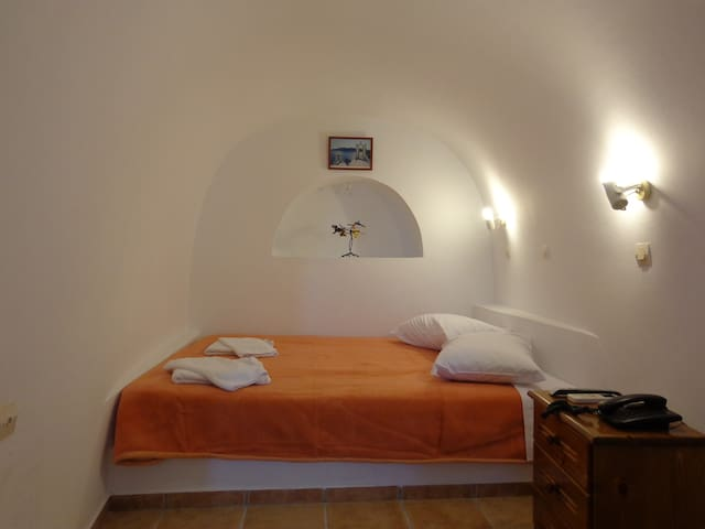 Ersi Villas traditional cave house - Thera - Barlang
